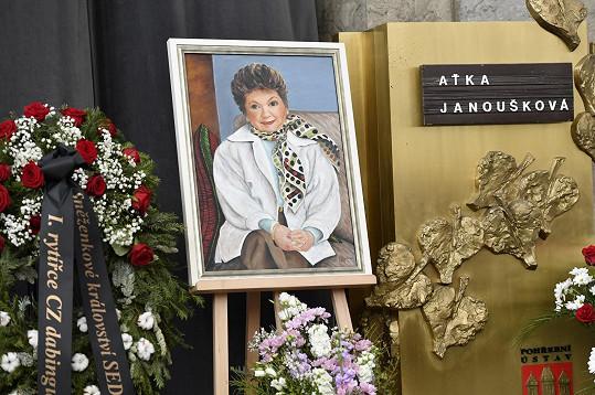 Aťka Janoušková zemřela 7.3.2019 ve věku 88 let.