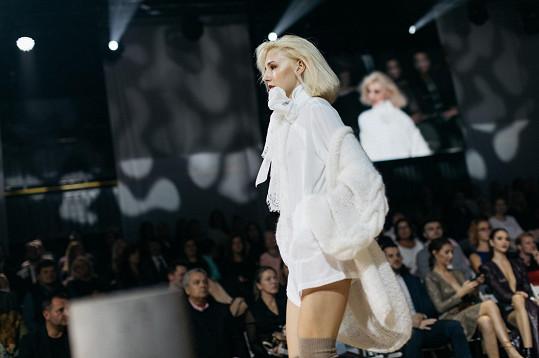 Hosté během galavečera sledovali show, kterou předvedl například světoznámý kadeřník Francesco Maria Ferri.