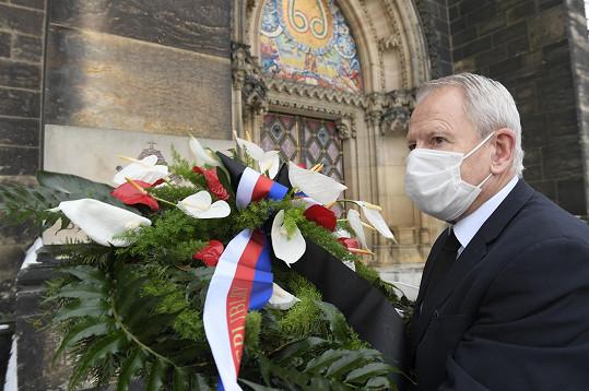 Věnec od prezidenta Miloše Zemana