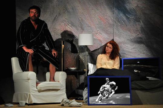 Společně s Alexejem Pyškem hrají v představení Činoherního studia Bouře Cena za něžnost.