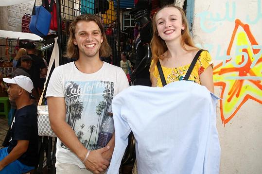 Sušila i propocenou košili.