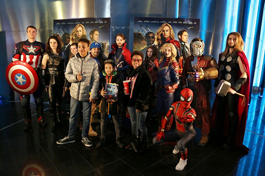 Tonya Graves vzala syny do kina na premiéru filmu Captain Marvel.