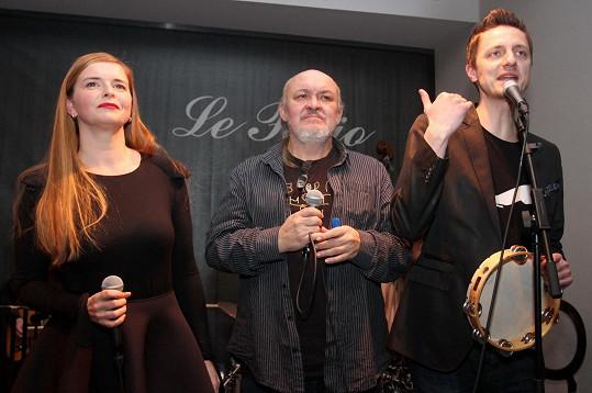 S Lenkou Novou a Ondřejem Rumlem, s nimiž vystupoval v lyrikálu Kudykam.