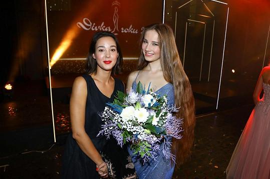 Vanda se svojí další letošní favoritkou Isabellou Rossini, která získala tituly Dívka roku Social Media a Talent.