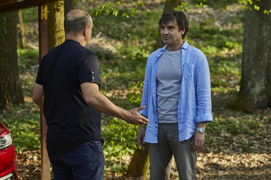 Pavel Řezníček je novou tváří Ordinace v růžové zahradě. Na snímku s Petrem Rychlým