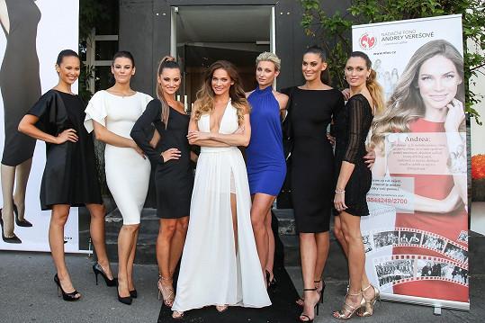 Pro Andreu předváděly známé české modelky.