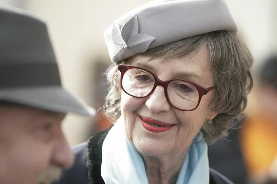 Nina Divíšková hrála babičku Dvořákovou.