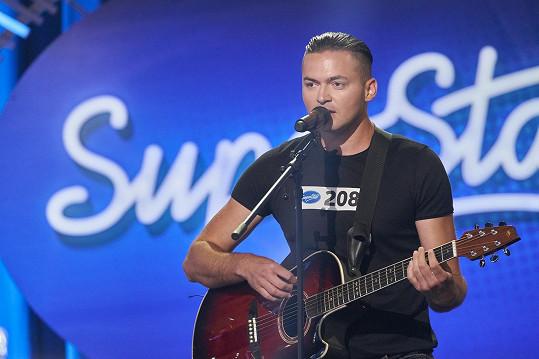 Hvězda kontroverzní reality show znovu před kamerou: Tahle dnes vypadá  Braňo Mojsej. Fešák vedle je jeho syn - Super.cz