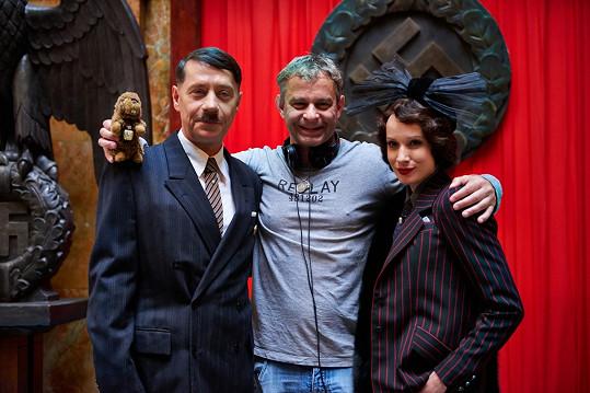 Pavel Kříž s režisérem Filipem Renčem a Táňou Pauhofovou