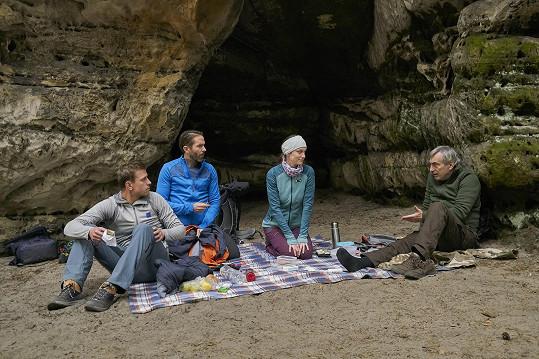 Seznámili se spolu ve skalách, natáčelo se na Kokořínsku.