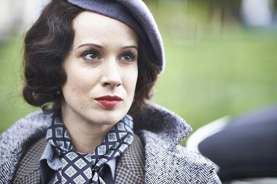Mladou herečku si ve filmu zahraje Slovenka Pauhofová.
