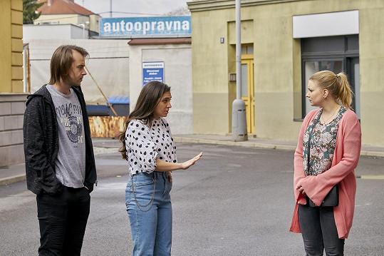 Do případu, který vyšetřuje policie, se zamotala Jana (Sára Affašová) i Bruno (Jaroslav Blažek).