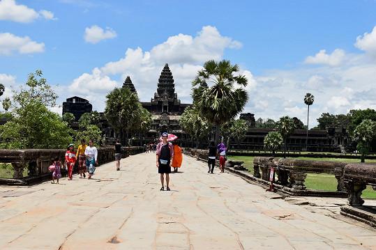 Během návštěvy Kambodži nemohl Jan vynechat chrám Angkor Vat.