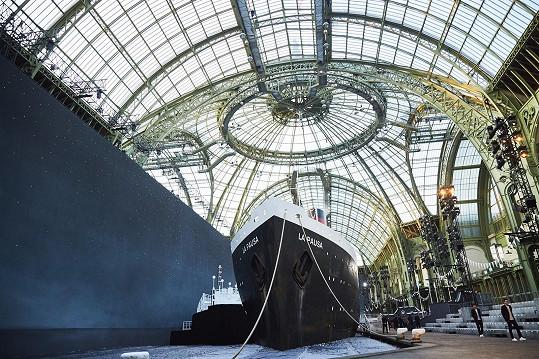Grand Palais bylo vyzdobené velkolepě.