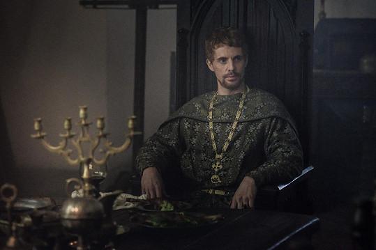 Další zahraniční hvězdou ve velkofilmu je Matthew Goode, který hraje krále Zikmunda.