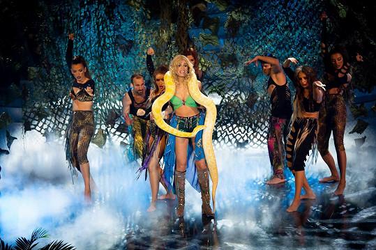 Jasmina Alagič ve slovenské Tváři jako Britney Spears moc nepřesvědčila.
