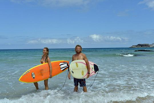 Ze surfování byla Simona nadšená.