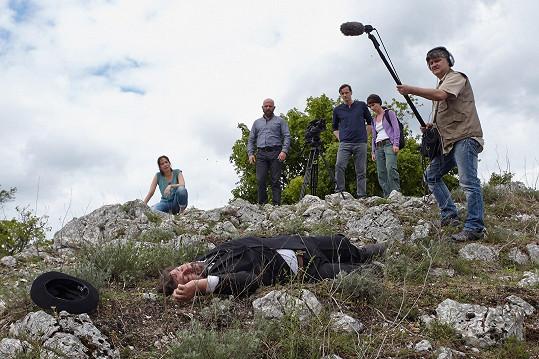 Natáčení dramatické scény se zúčastnila i Tereza Kostková.