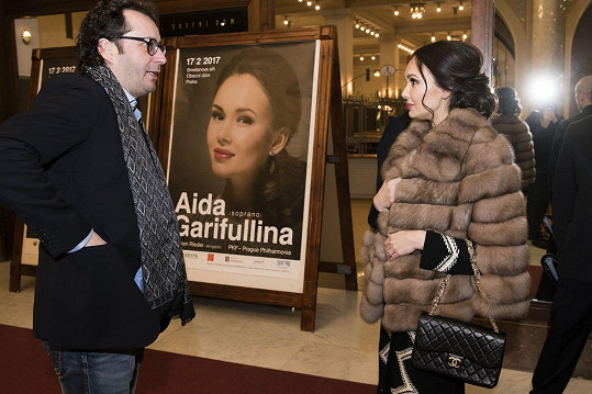 Aida Garifullina a dirigent Jochen Rieder po koncertu