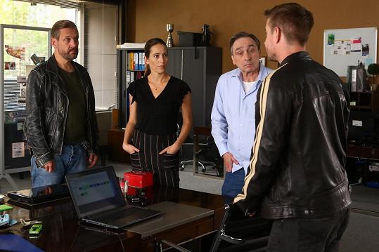 V další sérii se opět sejde parta s Davidem Matáskem, Janou Kolesárovou a Ondřejem Pavelkou, Přidá se k nim Vladimír Polívka.