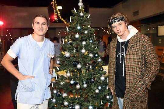Bratři David Gránský a Tomáš Pšenička spolupracovali na vánoční písni Díky vám, která je věnovaná zdravotníkům.