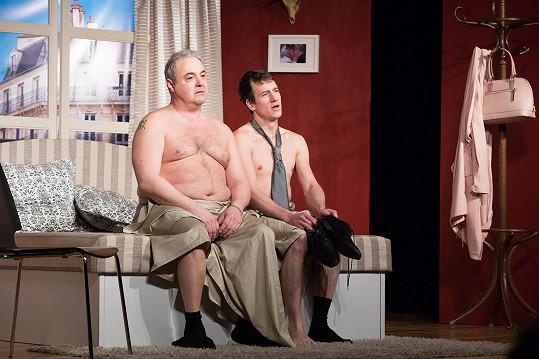 V představení Dva nahatý chlapi nebyla o smích v hledišti nouze.