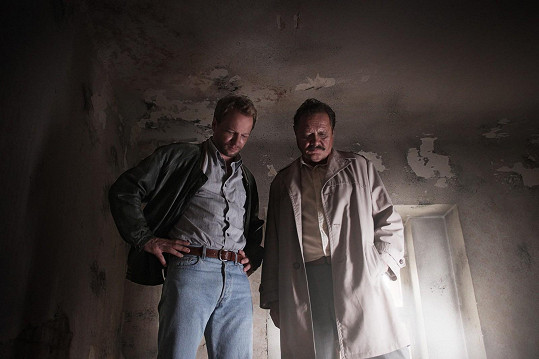 Maciej Stuhr a Marián Geišberg ve filmu Rudý kapitán