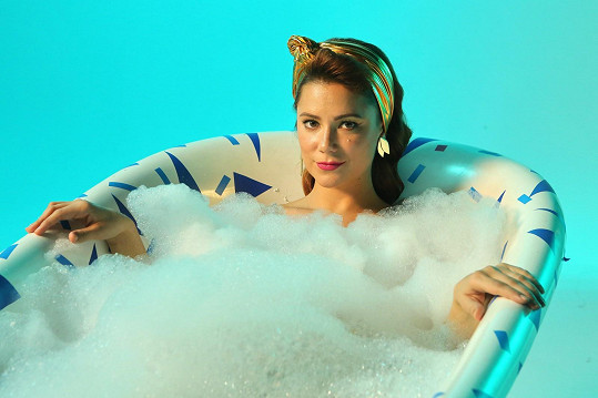 Ivana Korolová ve vaně