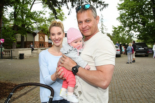 Marie s manželem Filipem Renčem a dcerou Sofií