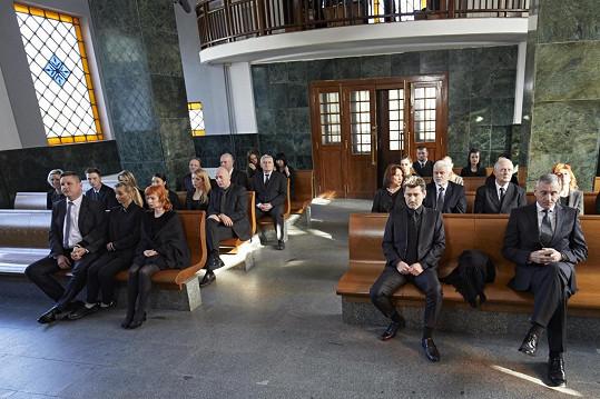 Seriálový pohřeb se natáčel na Olšanech.