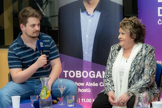 Vojta Staš promluvil o svém vztahu k babičce.