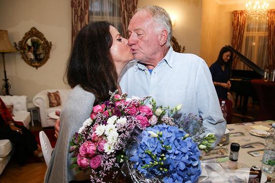 Luděk Sobota tentokrát líbal jen svou ženu.