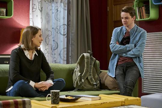 V seriálu Ulice se Franta sblíží s Bárou, kterou hraje Eliška Hanušová Bašusová.