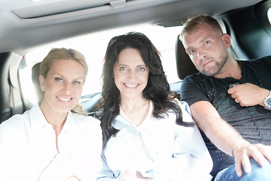 Simona, Lucie a Libor pomáhají ženám, kterým osud nepřál.