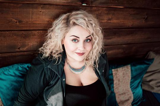 Reprezentantkou českého R&B a soulu bude Dannie Ella.