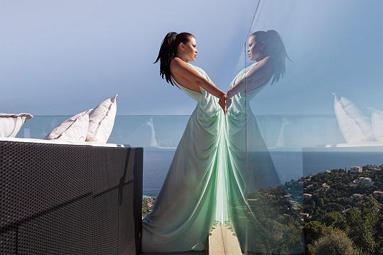 Monika Leová se stala tváří fotoprojektu Esence.
