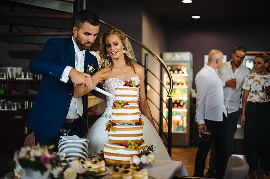 Moderátorka měla nejen krásné šaty, ale i dort.