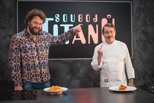 'Internetoví kuchaři' Robert Mikluš a Míra Hejduk změří síly v Souboji titánů.