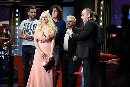 Angel Wicky už byla i hostem Jana Krause, kde se potkala s kluky z pořadu Partička.