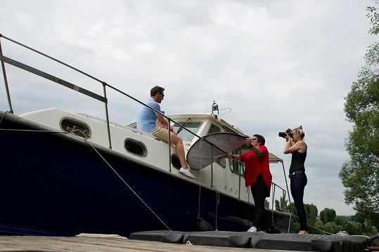 Focení probíhalo v přístavu v pražském Podolí.