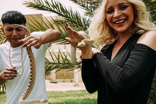 Při scéně s hady dostal Honza hysterák.