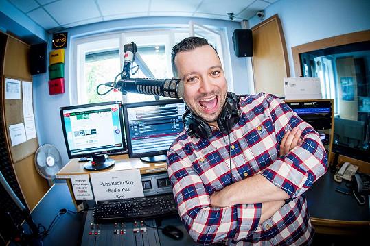 Michal Kavalčík si kvůli vtípku v rádiu zadělal o problémy.