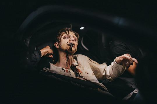 Ondřej Ruml coby drsný zombie je pěkně vystrašil.