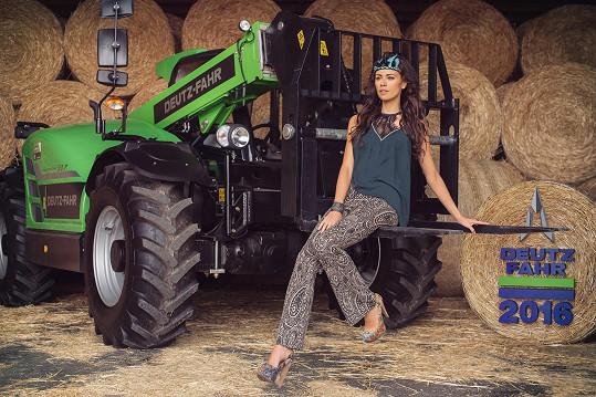 Kalendář fotila pro firmu prodávající traktory.