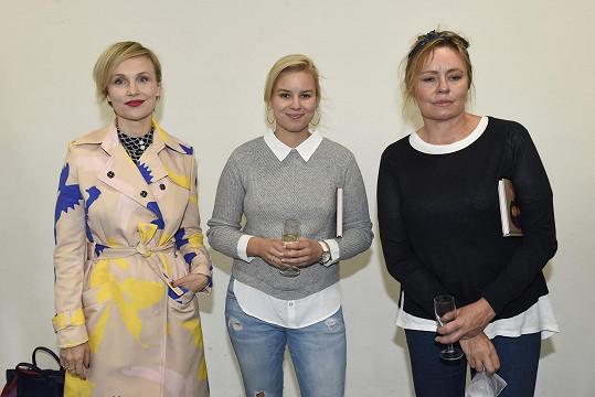 Herečka s kolegyněmi na křtu diáře Hanky Kynychové