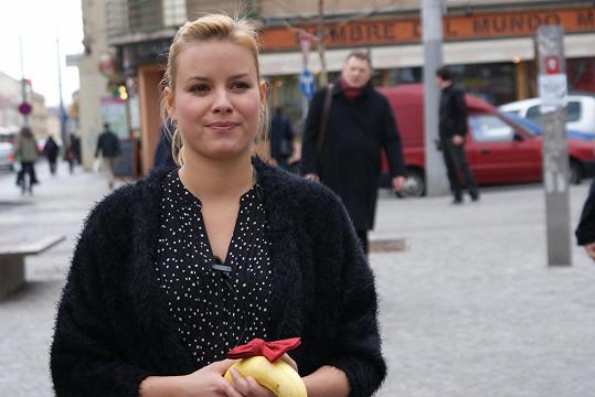 Solaříková prodávala na ulici banán.
