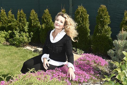 Zahrada je pro Markétu relax.
