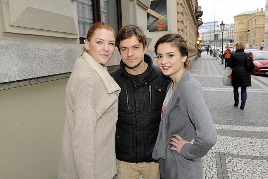 S herečkou Evou Josefíkovou (vpravo) tvořili pár.