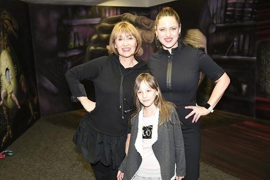 Herečka s dcerou Bárou a vnučkou Coco.