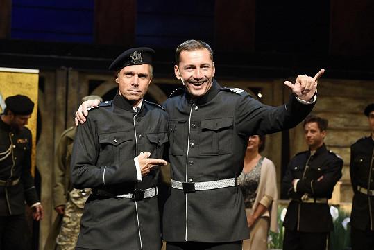 V titulní roli Iaga se Ledecký alternuje s Petrem Vondráčkem.
